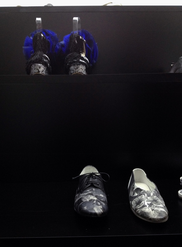 Daniel González D.G. Clothes Project Sculpture Shoes, Mars Marsèll Art Run Space, installation view, Padua, Italy, 2015