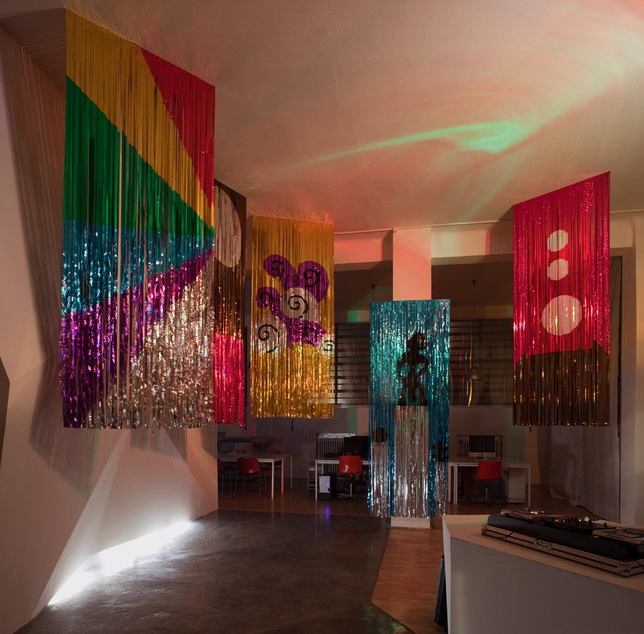 Daniel González, Disco Le Corbusier, installation view, Rizoma, Bologn