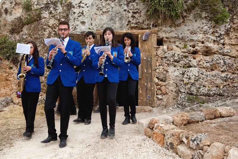 Daniel González, The Door to the Origin of the World, performance, Masseria Torre Coccaro, Brindisi, 2013