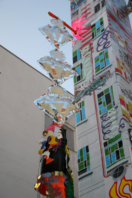 Homeless Rocket with Chandeliers, Lambrate, Milan, 2007-09, ph Andrea Martiradonna